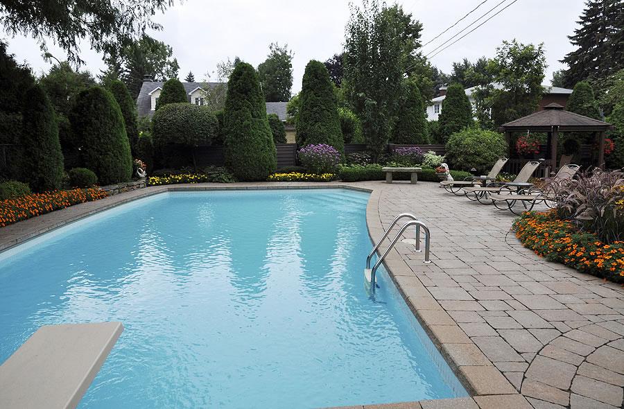 Les embellissements paysagers laval inc piscine for Piscine laval